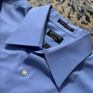 Men's Arrow light blue dress shirt on Xl